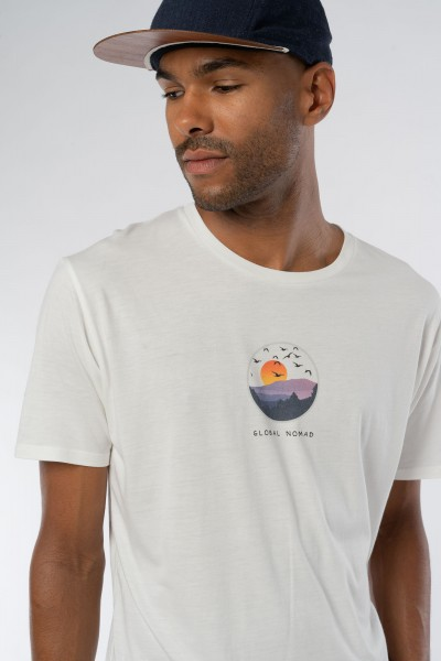 Global Nomad Männer ECOVERO™ T-Shirt
