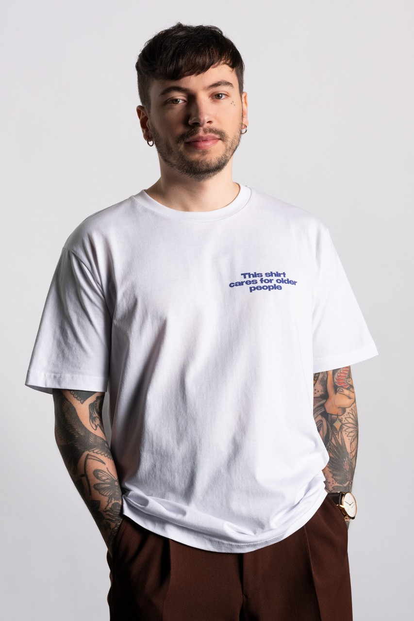 This shirt cares for older people