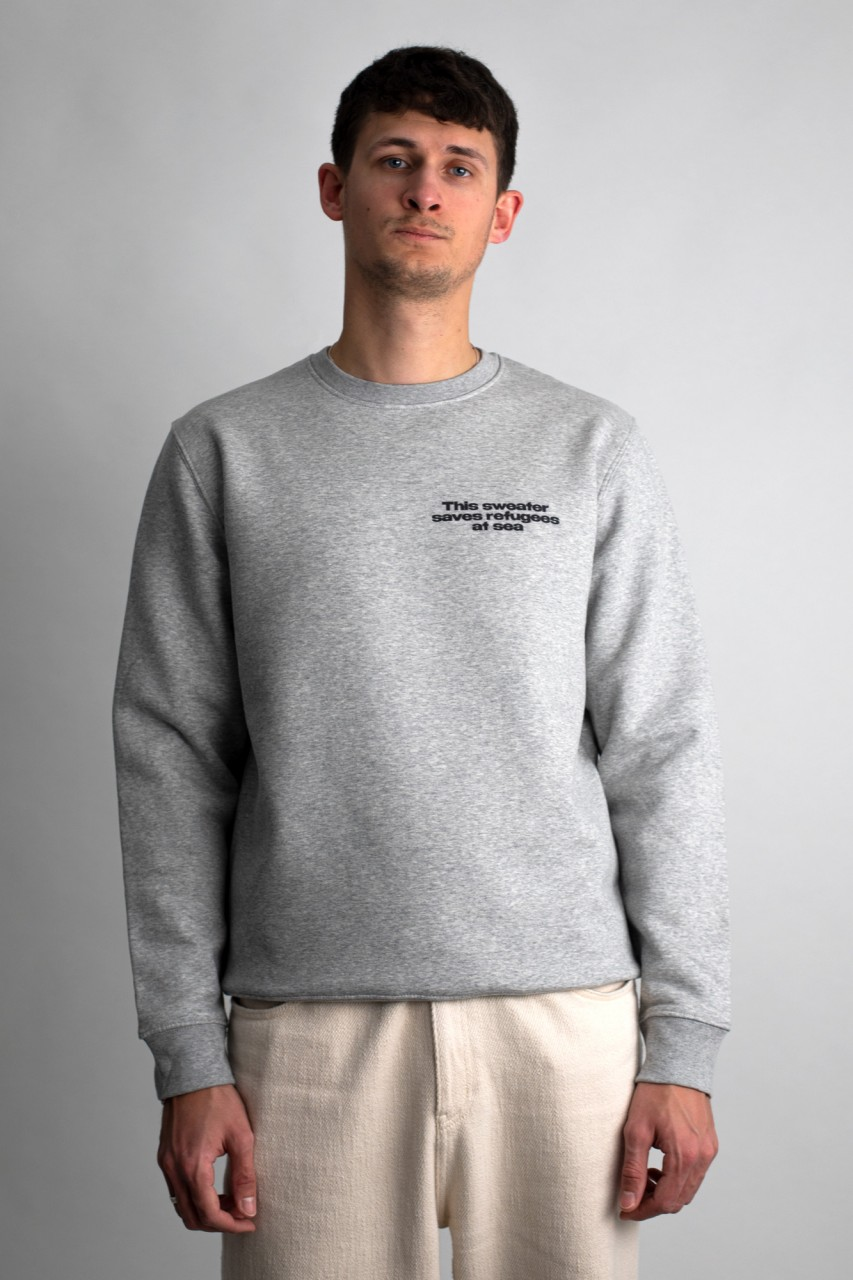 This sweater saves refugees at sea